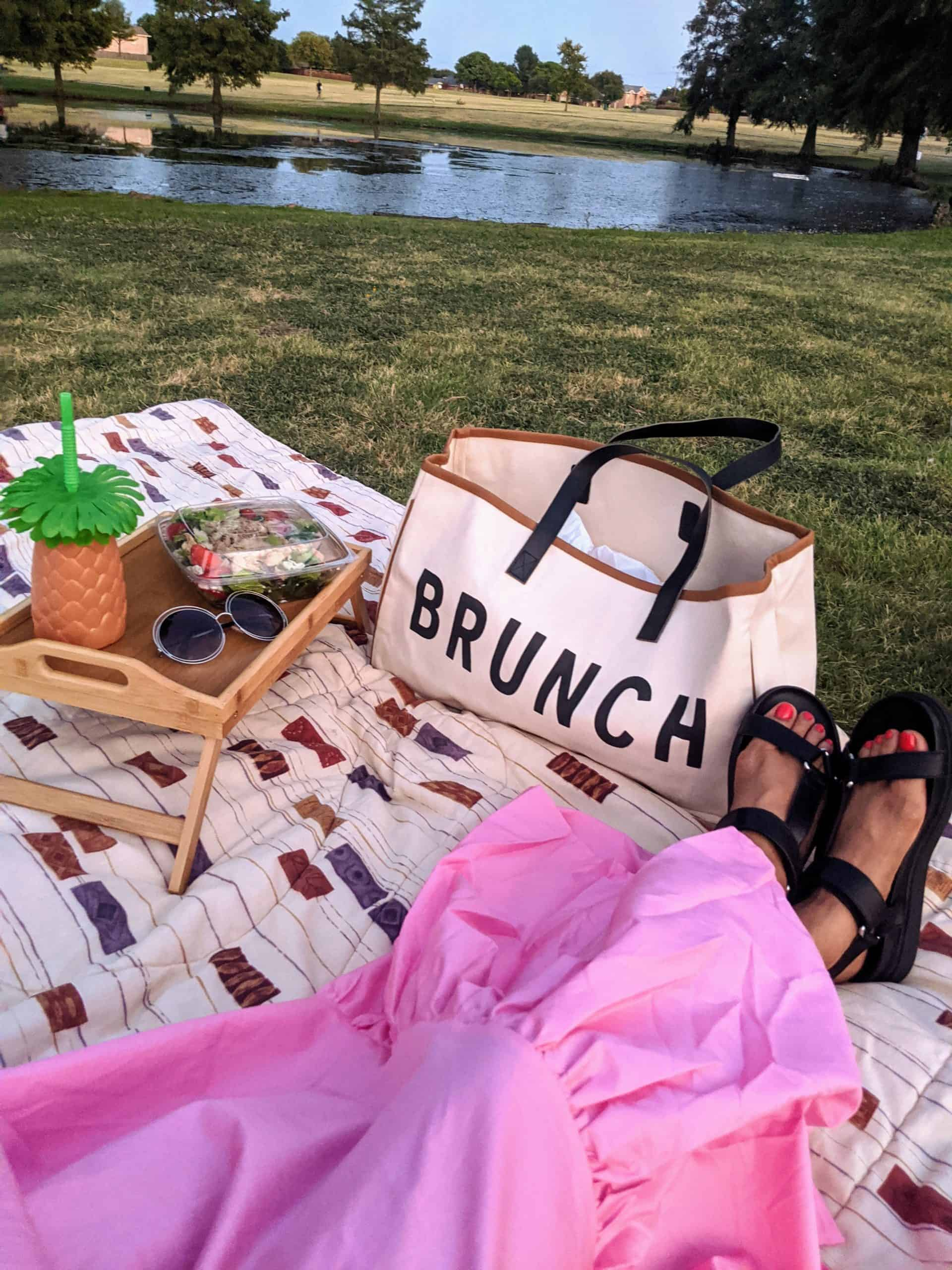 How to Throw the Best Picnic Party