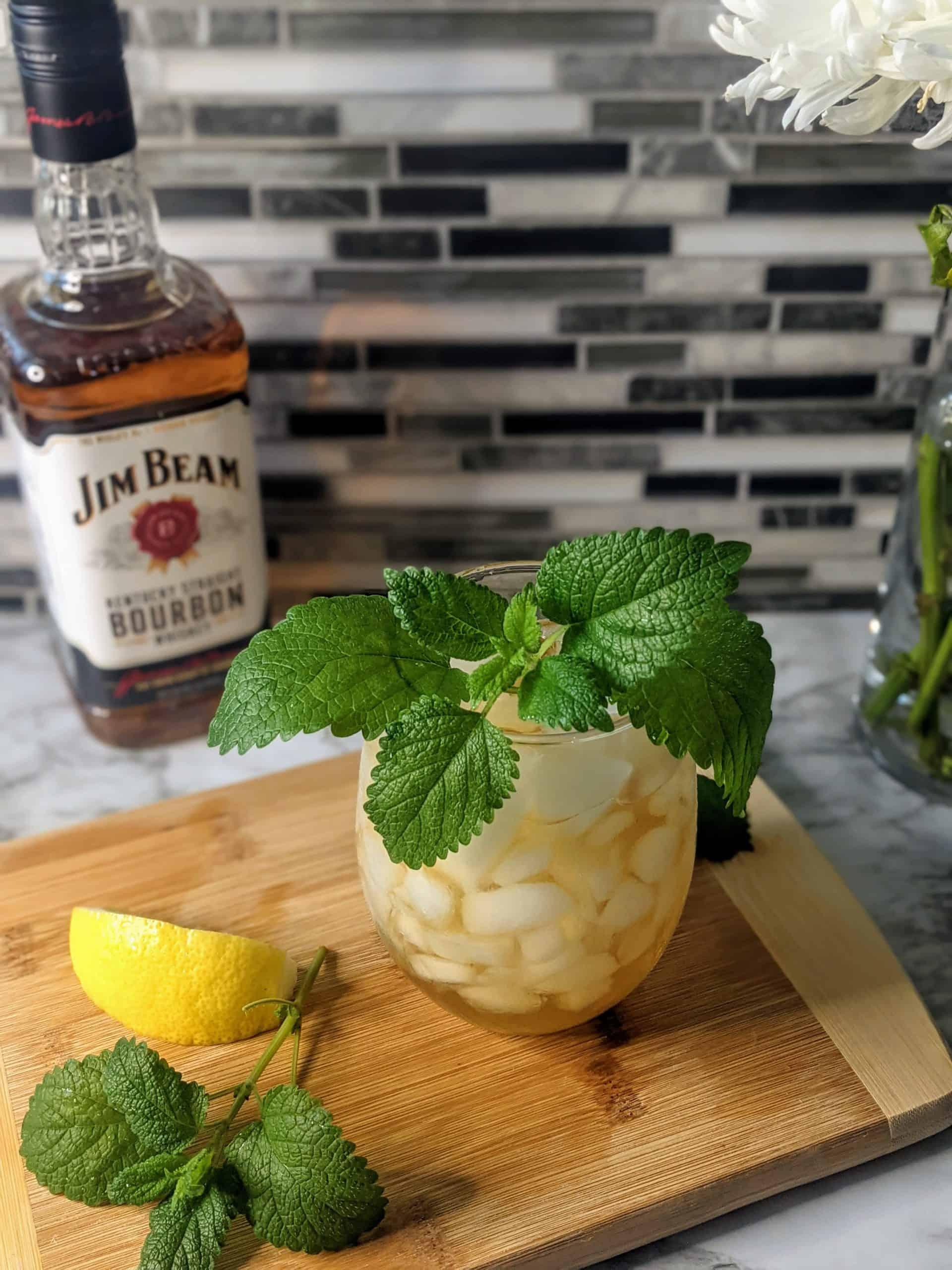 Simple Mint Julep Iced Tea